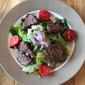 Салат с вырезкой из говядины